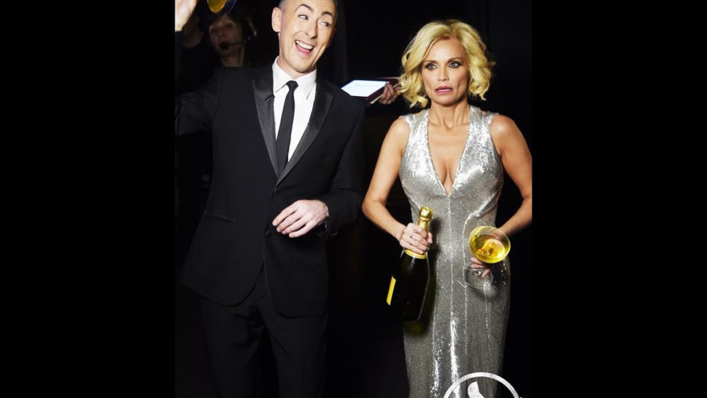 Tony Awards - Thumbs UP - Alan Cumming - Kristin Chenoweth - 6/15